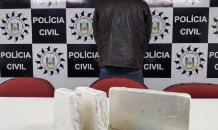 Suspeito de distribuição de cocaína é preso na capital