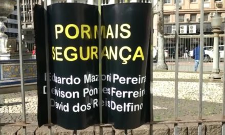 Motoristas de aplicativo fazem protesto em Porto Alegre