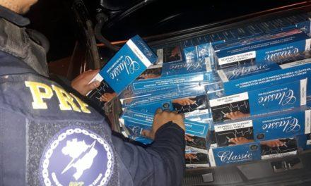 PRF e BM apreendem veículo abandonado com cigarros contrabandeados em Frederico Westphalen