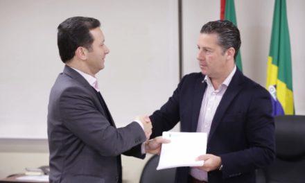 Nelson Marchezan entrega Lei de Diretrizes Orçamentárias