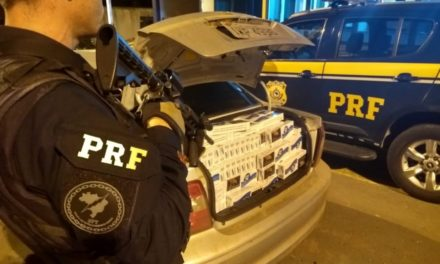 PRF apreende carros com cigarros contrabandeados em São Pedro do Sul
