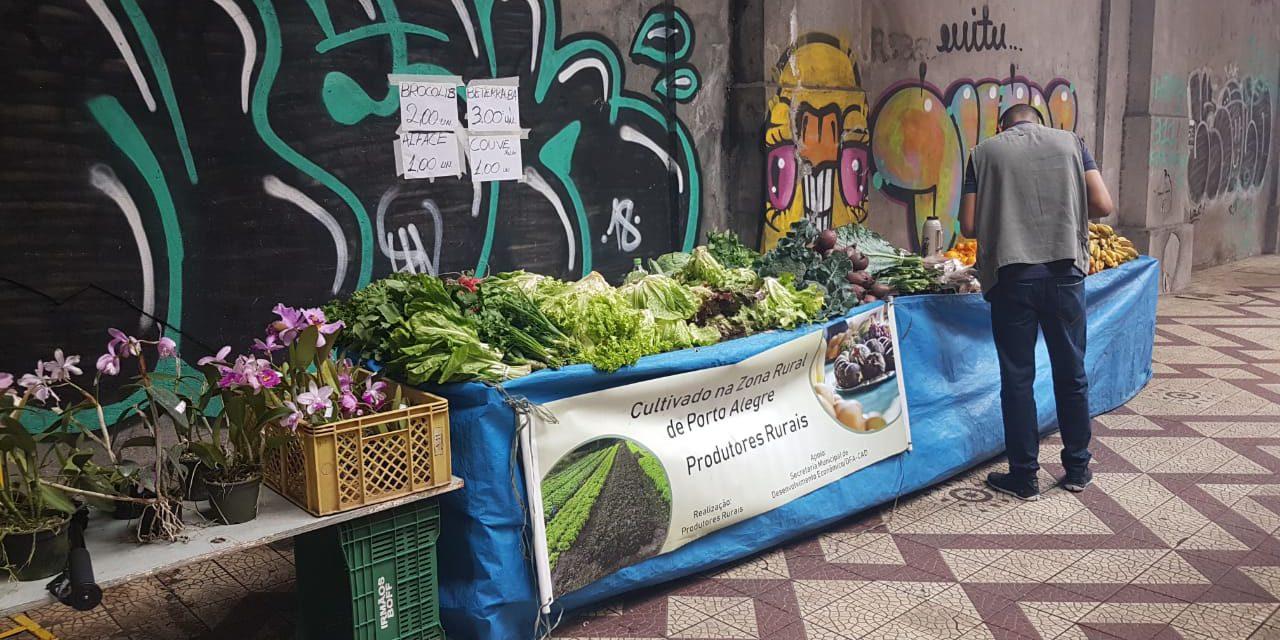 Feira e Food Trucks tomam o Viaduto Otávio Rocha