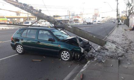 Acidente com condutor embriagado atrapalha o trânsito em Canoas