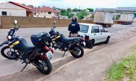PRF apreende automóvel com quase 80 mil reais em multas