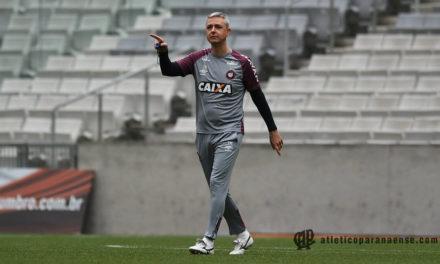 Adversário do Inter no domingo, Atlético-PR tem decisão na quarta