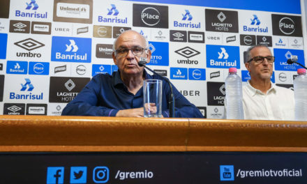 Após renovar com Renato, Grêmio vai em busca de reforços