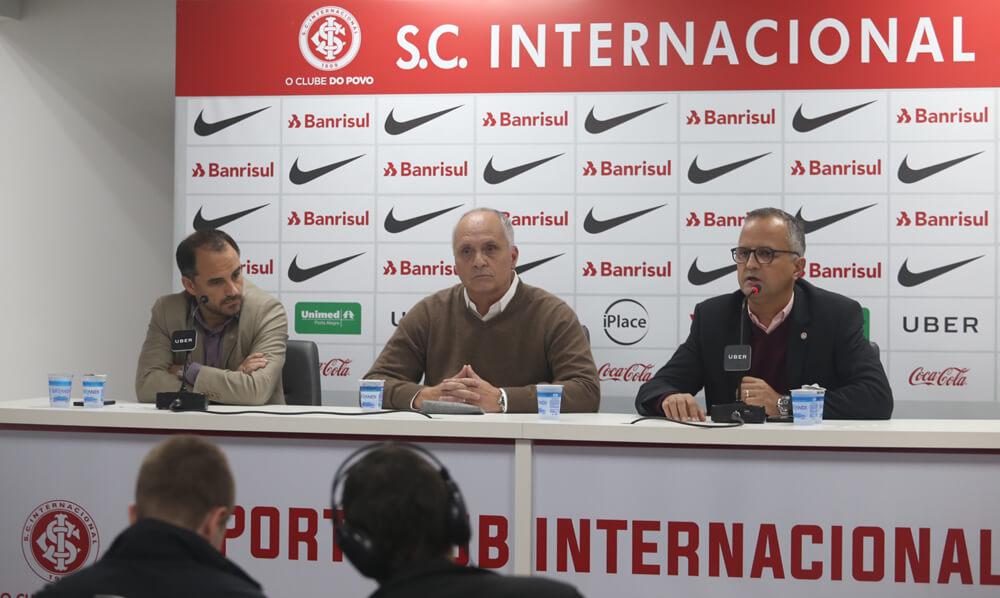 Medeiros afirma que Rodrigo Caetano fica no Inter