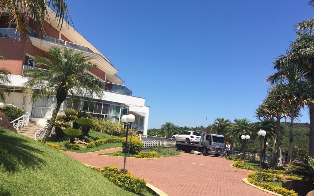 Ministério Público cumpre mandado de busca e apreensão em residência da família de Ronaldinho Gaúcho