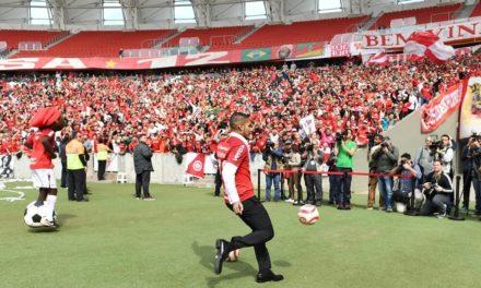 Paolo Guerrero é proibido de jogar o Lance de Craque