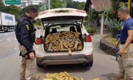 PRF intercepta carro com 280 quilos de maconha