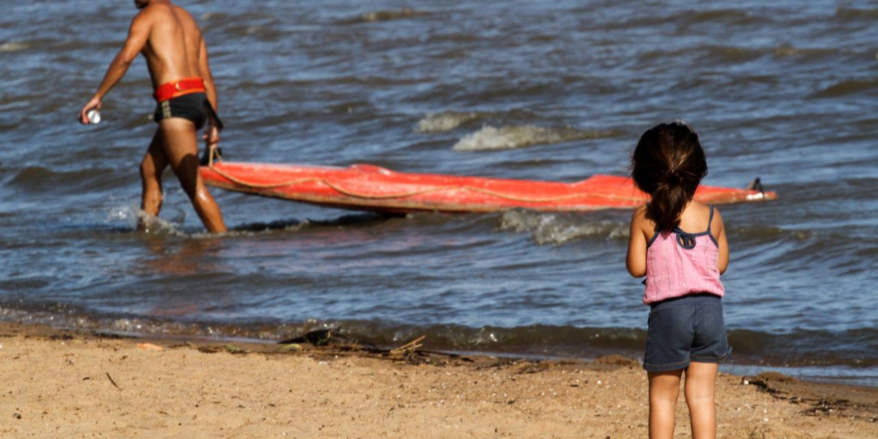 Praias de Porto Alegre têm três locais liberados para banho