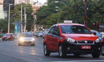 Nova sinalização indicará se táxis na Capital estão livres ou ocupados