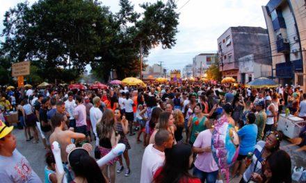 Chuva altera a programação do Carnaval de Rua