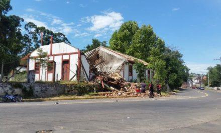 Desaba parte da Casa do Imigrante em São Leopoldo