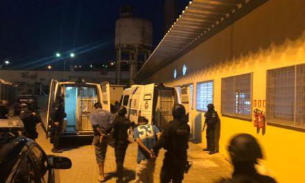 Ação da Susepe retira 49 presos de delegacias e viaturas em Porto Alegre
