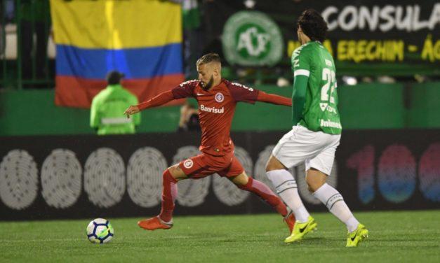 Inter terá desfalque e possível retorno contra o Corinthians