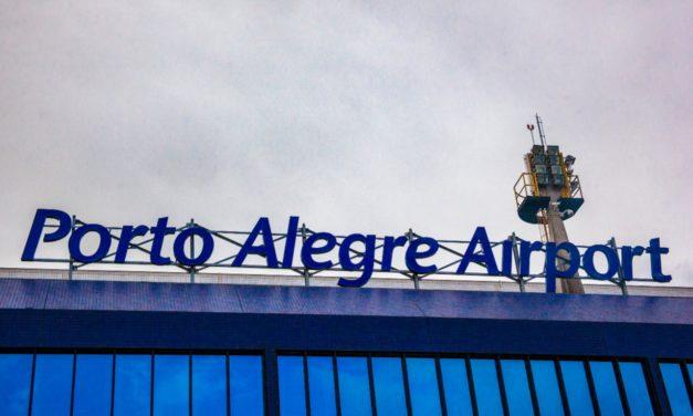 Delegação do Athlético fica presa em avião